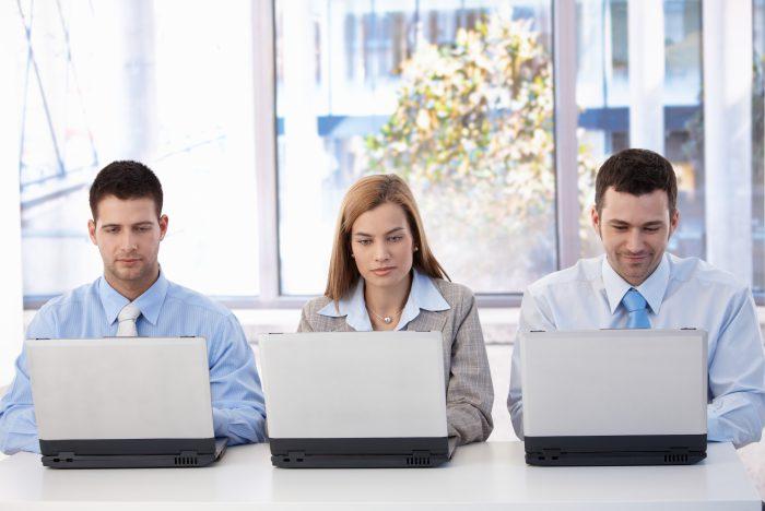 shutterstock 72066103 1 700x468 - 9 errores que comenten las empresas en la gestión de sus Redes Sociales